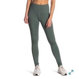 Z by Zella • EUC high rise leggings - green